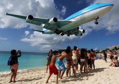 KLM_Asia_Boeing_747-400_landing_at_SXM